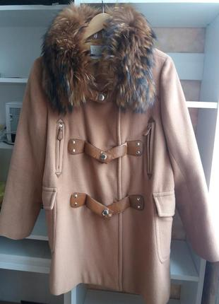 Пальто max mara италия люкс бренд  cо сьемным натуральным мехом шерсть