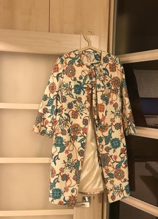 Красивое пальто samange