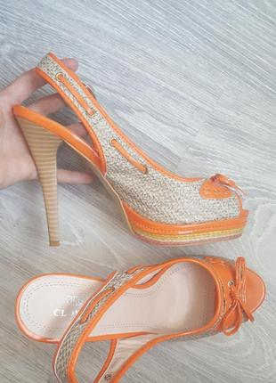 Новые босоножки clowse 38 - 39 размер на высоком каблуке нарядные