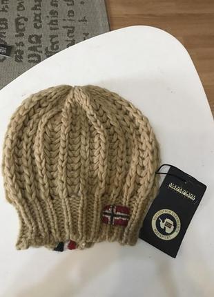 Стильная шапка, берет napapijri