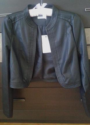 Укороченая куртка из еко кожи кожаная курточка