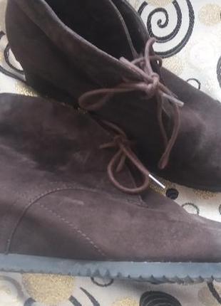 Класнючие демисезонные ботинки.