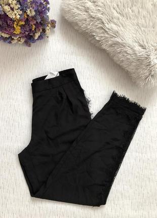 Zara черные брюки штаны с кружевом м - размер
