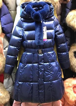 Приталенное стильное пальто для девочки кико 4921.  размерный ряд122-146см. цвет синий.