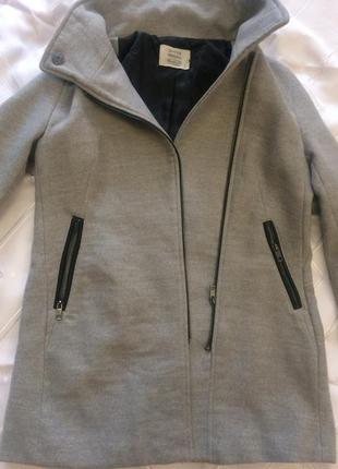 Нове пальто bershka
