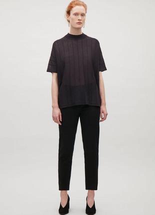 Минимализм и стиль в вязаной футболке cos oversize 44-50