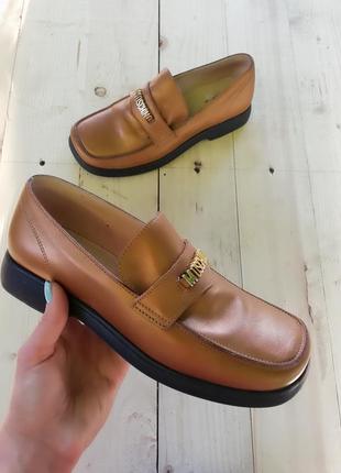 Стильные лоферы,туфли moschino,36 размер