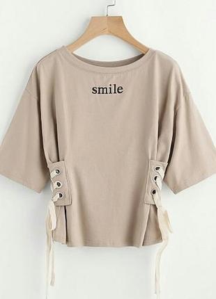 Стильная футболка со шнуровкой smile