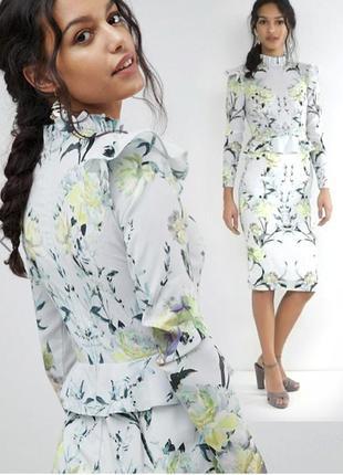 Платье-футляр с оборкой на рукавах и баской светлое hope & ivy с сайта asos