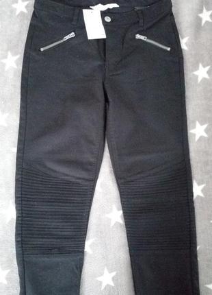 Стильные штаны в байкерском стиле н&м