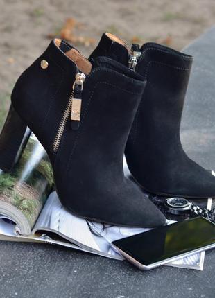 Крутейшие кожаные ботильоны ботинки caprice р 38