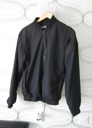 Чёрная ветровка-куртка-бомбер