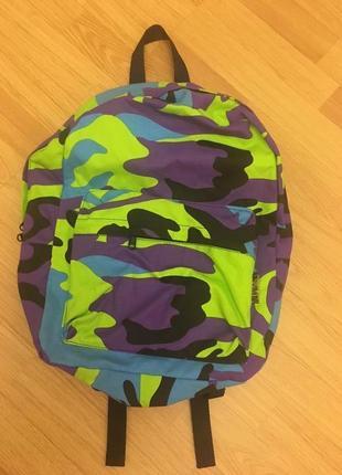 Яркий рюкзак болгария