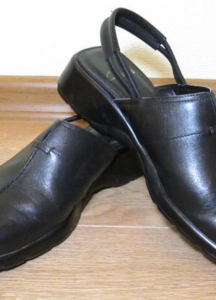 Кожаные туфли сабо clarks