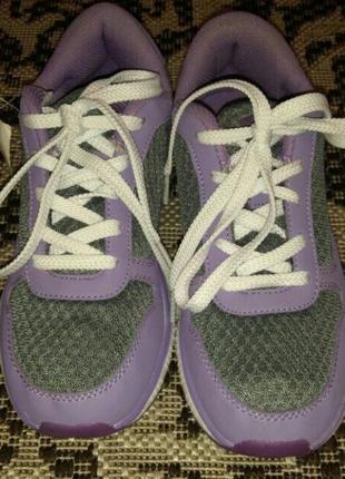 Umbro новые кроссовки 37 размер