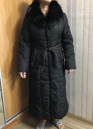 Зимнее пуховое пальто с натуральным мехом песца