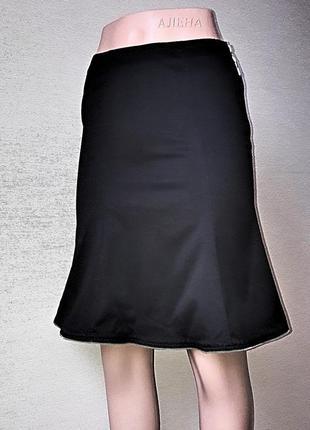 Стильная черная брендовые юбка moschino.