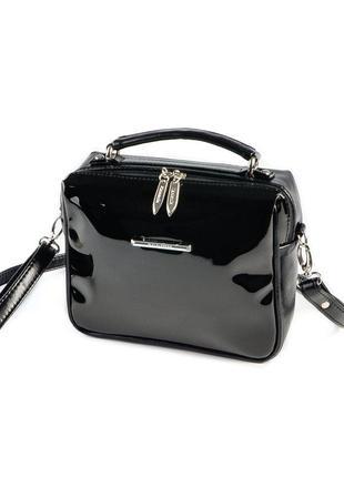 Черная маленькая лаковая сумка через плечо кроссбоди на молнии