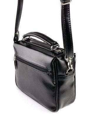 Черная маленькая лаковая сумка через плечо кроссбоди на молнии3 фото
