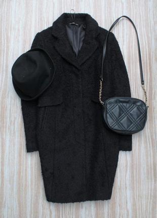 Стильное пальто классического покроя