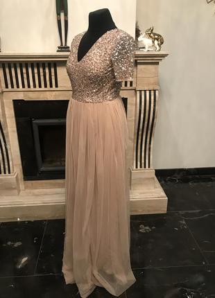 Нарядное вечернее платье