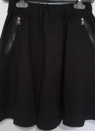 Черная трикотажная юбка zara с карманами на молнии, размер s-m