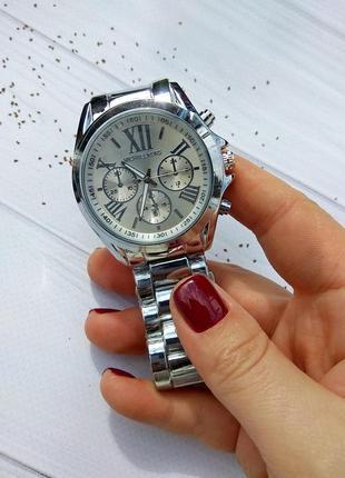 Часы женские. стильные женские часы. часы серебро. качество, лого.