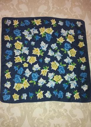 Фирменный платок в розы codello шёлк 100%