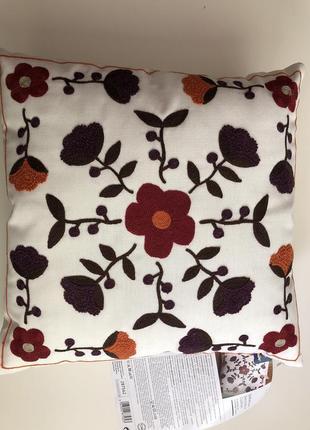 Декоративная подушечка с цветами 40*40 см.