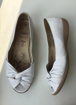 Кожаные балетки caprice р.38,5-39 туфли белые с открытым носком