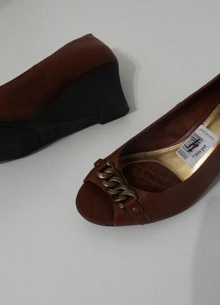 Туфли с открытым носком от chaps by ralph lauren