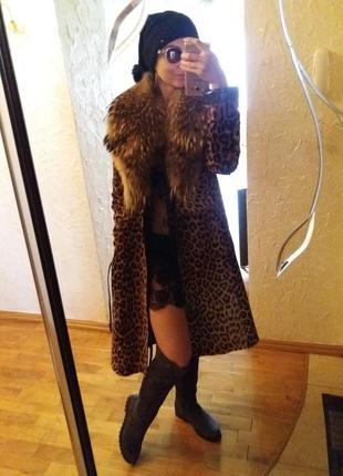 Леопардовое пальто из натуральных мехов3 фото