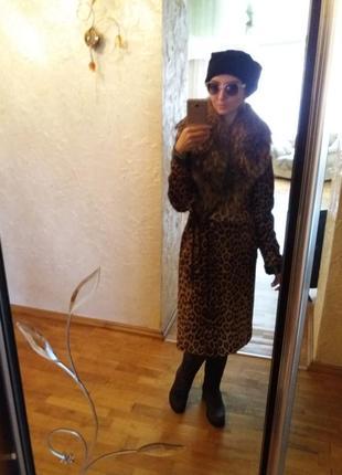 Леопардовое пальто из натуральных мехов5 фото