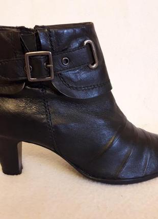 Кожаные деми ботинки фирмы janet d ( германия) р. 40 стелька 26 см
