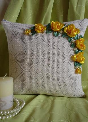 Декоративная подушка, вышивка лентами