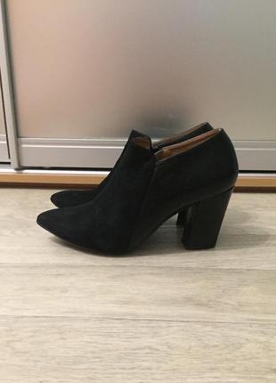 Ботинки закрытые туфли