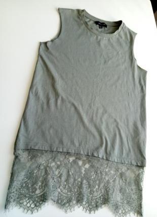 Футболка/майка из натуральной ткани оливкового цвета с кружевом