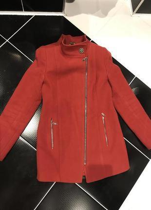 Женское пальто состояние новое