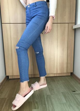 Рваные джинсы скини zara