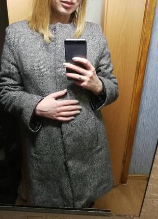 Теплое твидовое пальто на осень