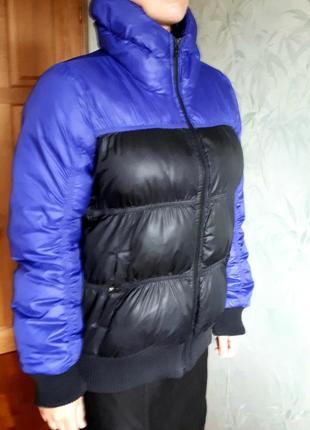 Зимний женский пуховик adidas в идеальном состоянии.