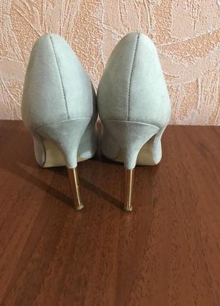 Туфли бирюзового цвета