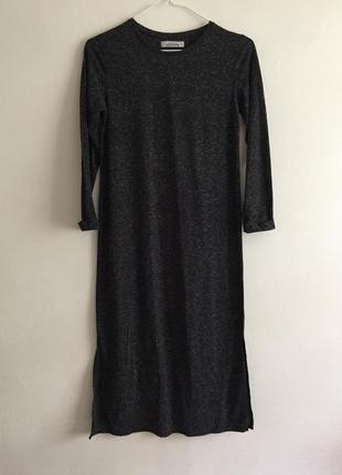 Стильное длинное платье серого цвета