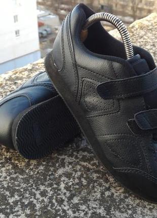 Кроссовки на липучках р-р. 38-й 24 см