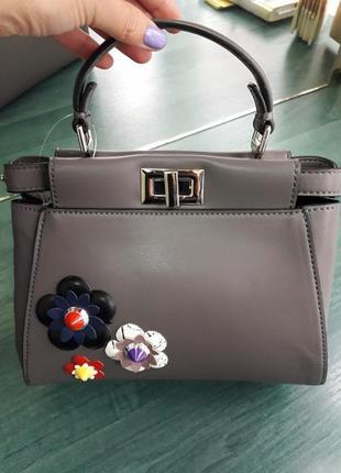 Милая нарядная сумочка с аппликациями