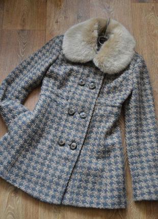 Стильное демисезонное пальто с мехом topshop