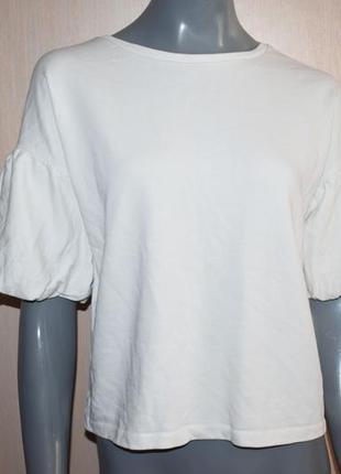 Белая кофта свитшот с воланами на рукавах