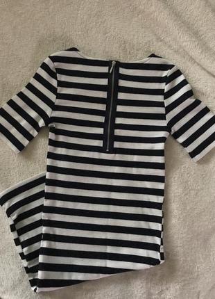 Платье рубчик черно белое по фигуре