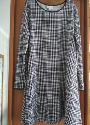 Шикарное платье трапеция в клетку с кожаной окантовкой trend one миди свободного кроя р.l