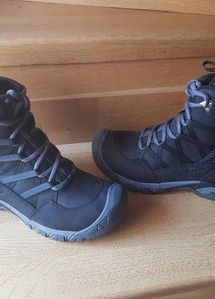 Женские зимние ботинки keen
